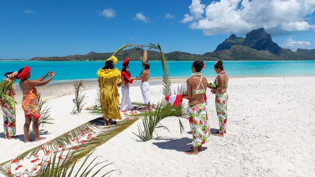The 3 key elements of a Traditional Tahitian Wedding