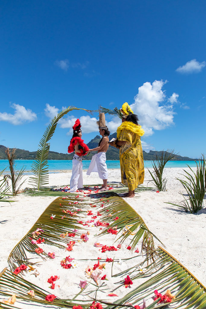 Yuriko & Ken - Tahitian Wedding in Bora Bora